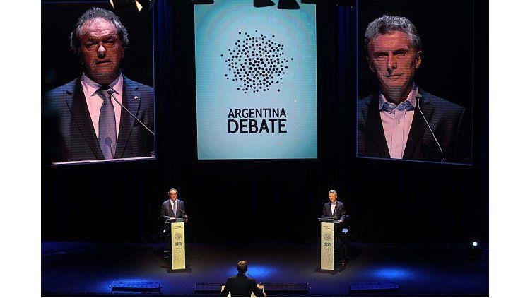 Daniel Scioli y Mauricio Macri en el debate presidencial de 2015