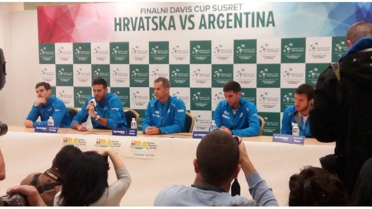 Orsanic y sus cuatro jugadores (Foto: @copadavis)