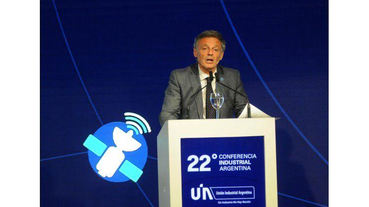 El ministro Cabrera anunció el lanzamiento de Ahora 18 ante industriales