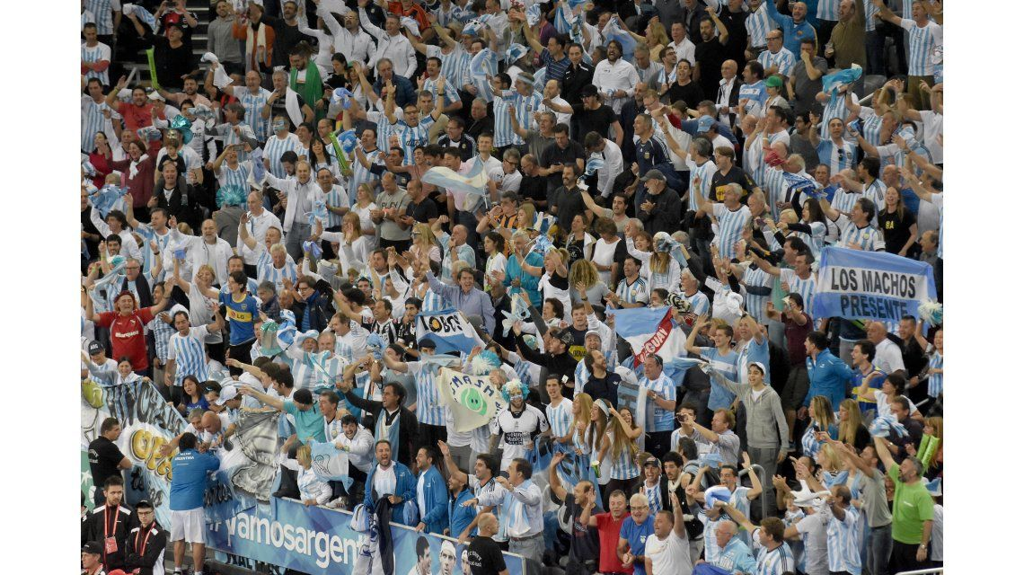 Miles de argentinos viajaron y se hicieron sentir en Zagreb