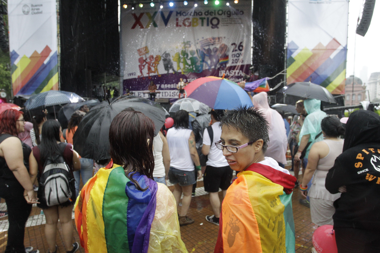 Así se celebra la XXV Marcha del orgullo gay en Buenos Aires.