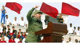 Fidel Castro en 2003 dando un encendido discurso