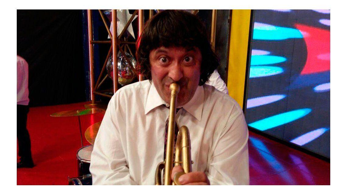 El humorista Alfredo Silva de 46 años aún vive con sus padres.