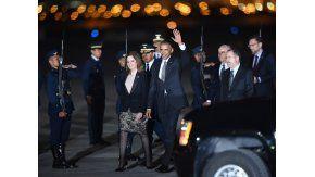 Obama cierra su última gira como presidente en Perú
