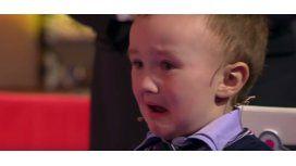Un nene perdió ante el ex campeón mundial de ajedrez y se largó a llorar.