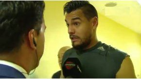 Sergio Romero hablando con la prensa