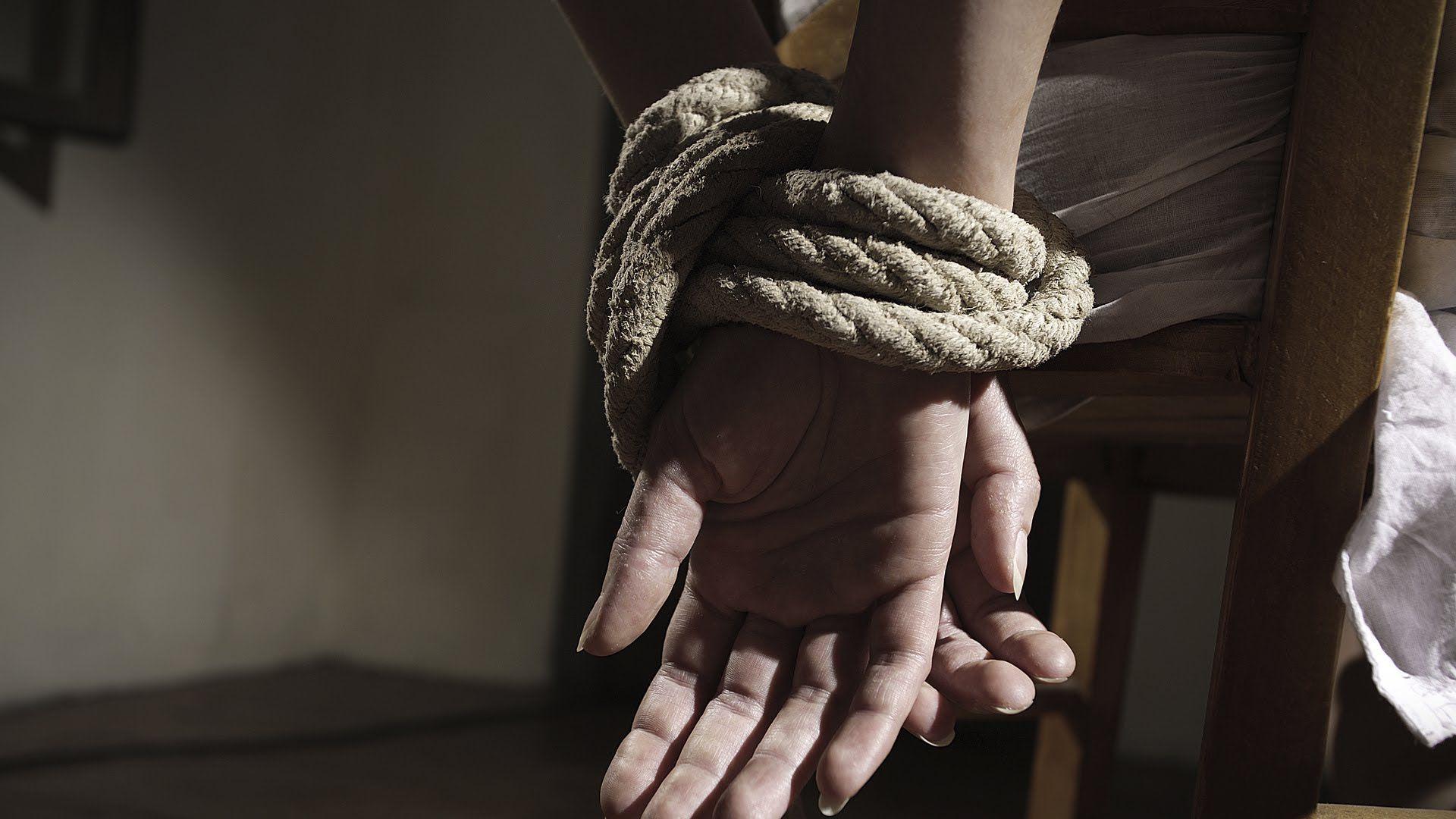 Fingió un secuestro para sacarle dinero a su familia y deberá pagarle al Estado