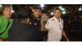 Neymar tuvo un incidente al arribar a un hotel de Perú.