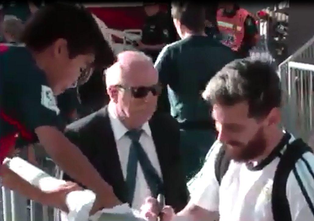 Un niño sanjuanino fue el afortunado que se llevó la firma de Messi