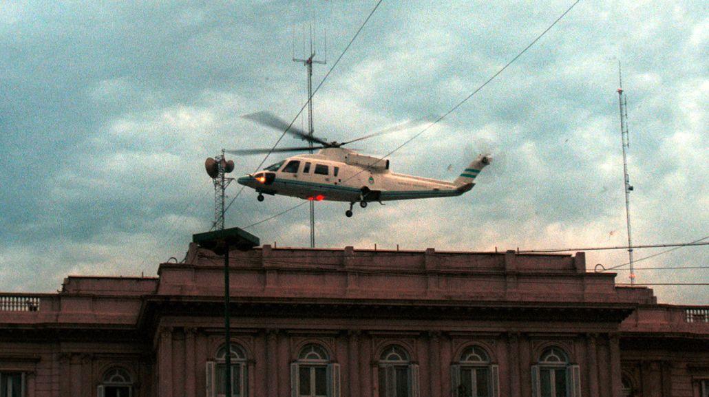 Fernando de la Rúa dejó Casa Rosada en helicóptero<br>