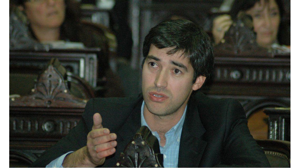 Adrián Pérez confirmó que sólo se convocará a sesiones extraordinarias para tratar la reforma electoral