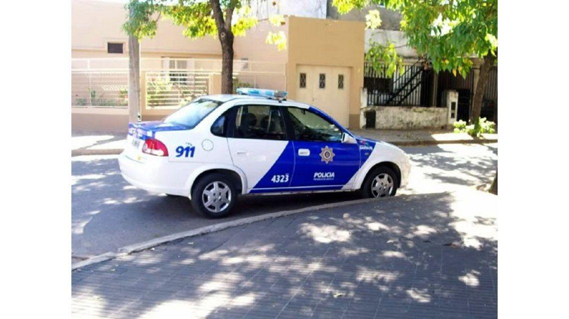 Una docente de 36 años fue asesinada a machetazos por su ex marido en La Brava.