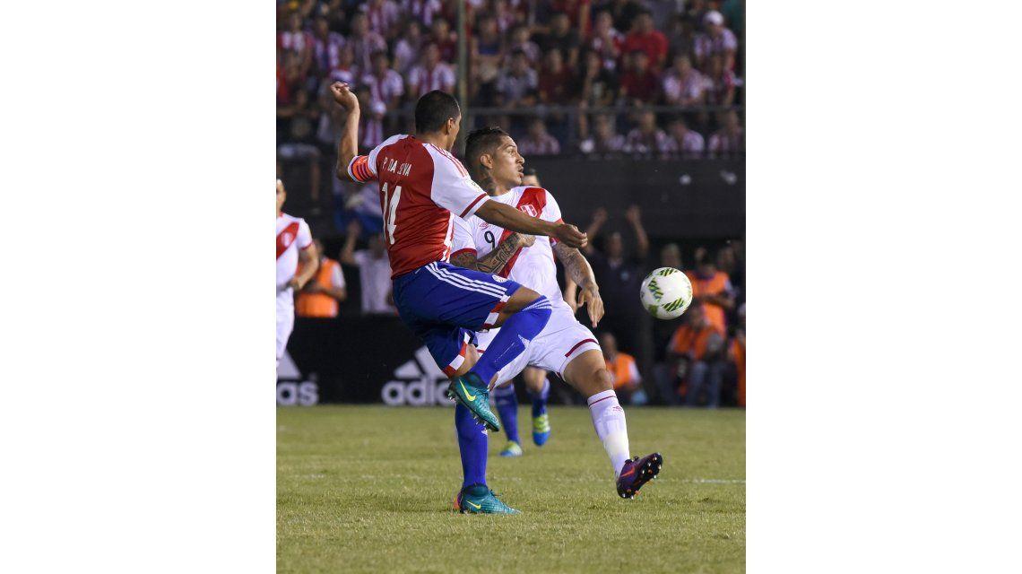 Paraguay enfrenta a Perú por Eliminatorias