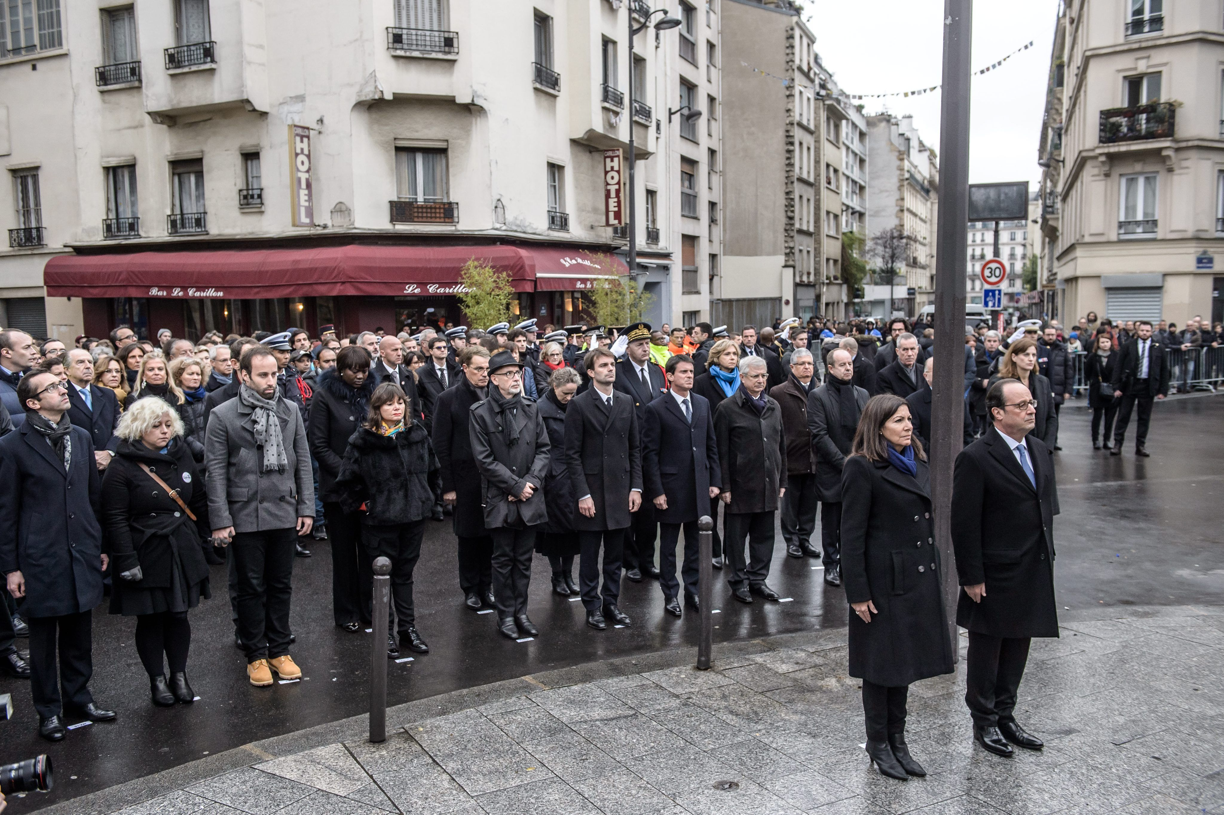 Francia recuerda a las víctimas de los atentados en París en el primer aniversario.