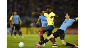 Uruguay y Ecuador se enfrentan en el Centenario