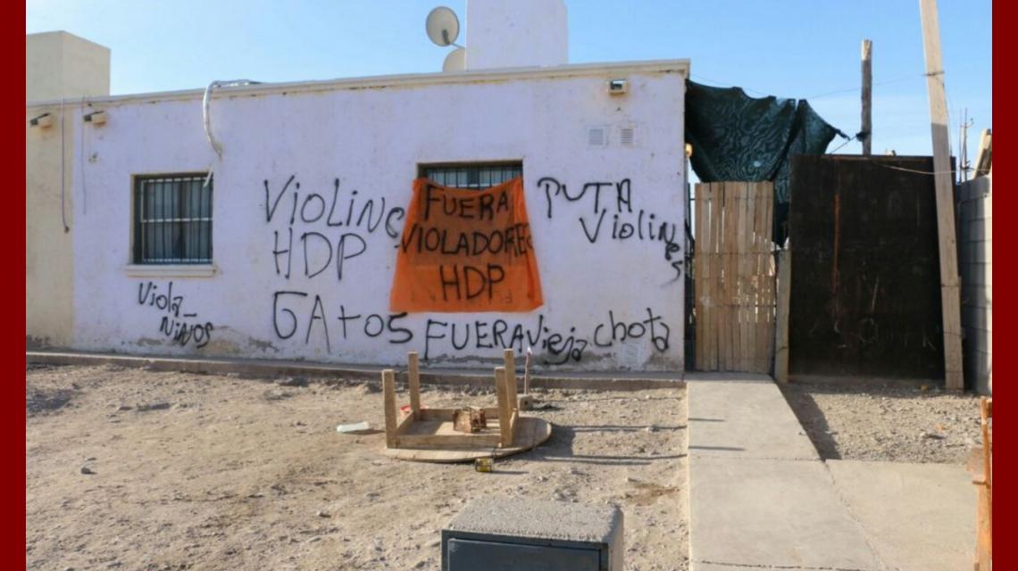 La casa de los menores acusados de abuso fue escrachada por los vecinos