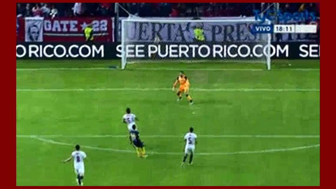 Carlos Tevez anotó el tercer gol de Boca ante Sevilla por el torneo Antonio Puerta