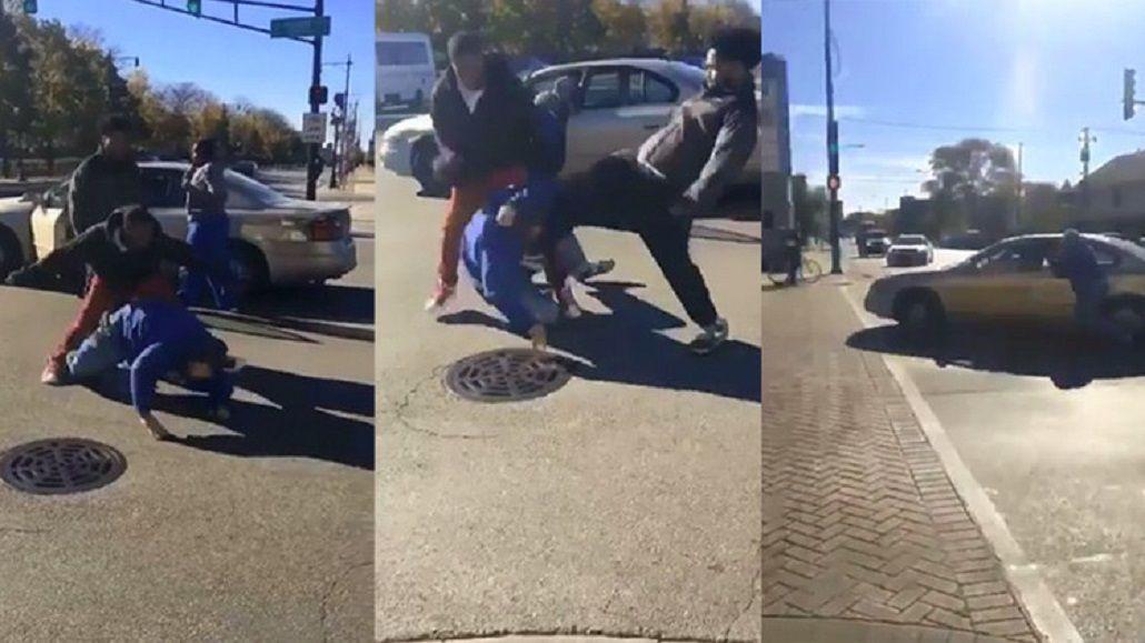 Un grupo de jóvenes afroamericanos golpeó brutalmente a un hombre por ser partidario de Donald Trump.
