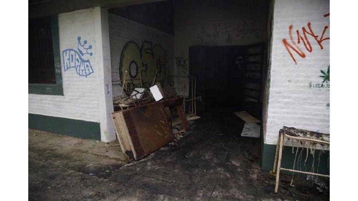 Un grupo de adolescentes incendiaron una escuela en City Bell - Crédito: eldia.com