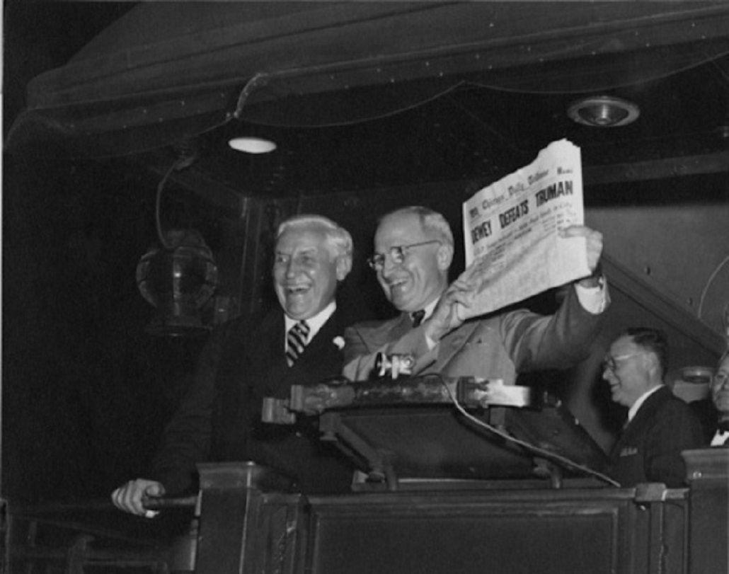Harry S. Truman celebra en 1948 mofándose del Chicago Tribune