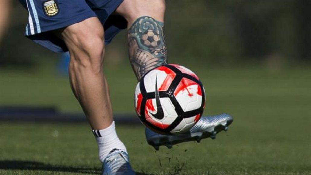 El antes y después del tatuaje de Lionel Messi