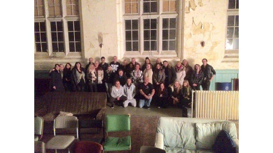 Un grupo de cazafantasmas británicos visitó un hospital    abandonado de la ciudad de Liverpool y se encontró con una invitada  inesperada.