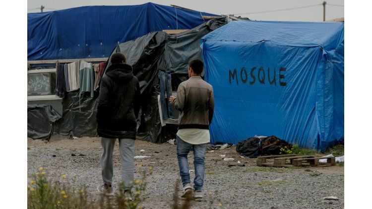 Desalojo del mayor campamento refugiados en París