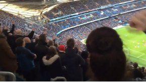 Con una canción, los hinchas del Middlesbrough se burlaron del Manchester City en el Etihad Stadium.
