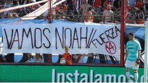 La hinchada de River colgó una bandera de  para Noah, el de Luisana Lopilato y Michael Bublé.