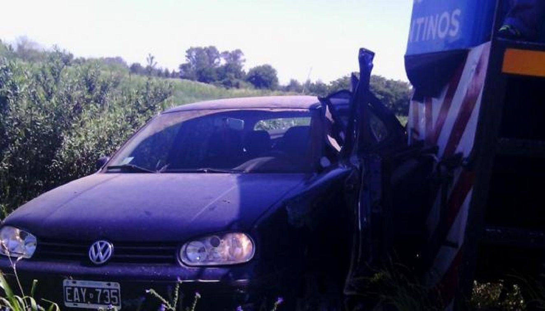 Una embarazada murió cuando un tren atropelló el auto en el que viajaba en Santa Fe - Crédito: La Capital de Mar del Plata