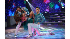 Iliana Calabró bailó con su novio y el truco final casi termina en un tremendo golpe.
