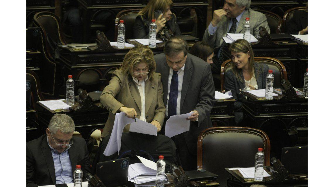 El macrismo y Bossio rechazaron debatir la suba del 47% del salario de los diputados
