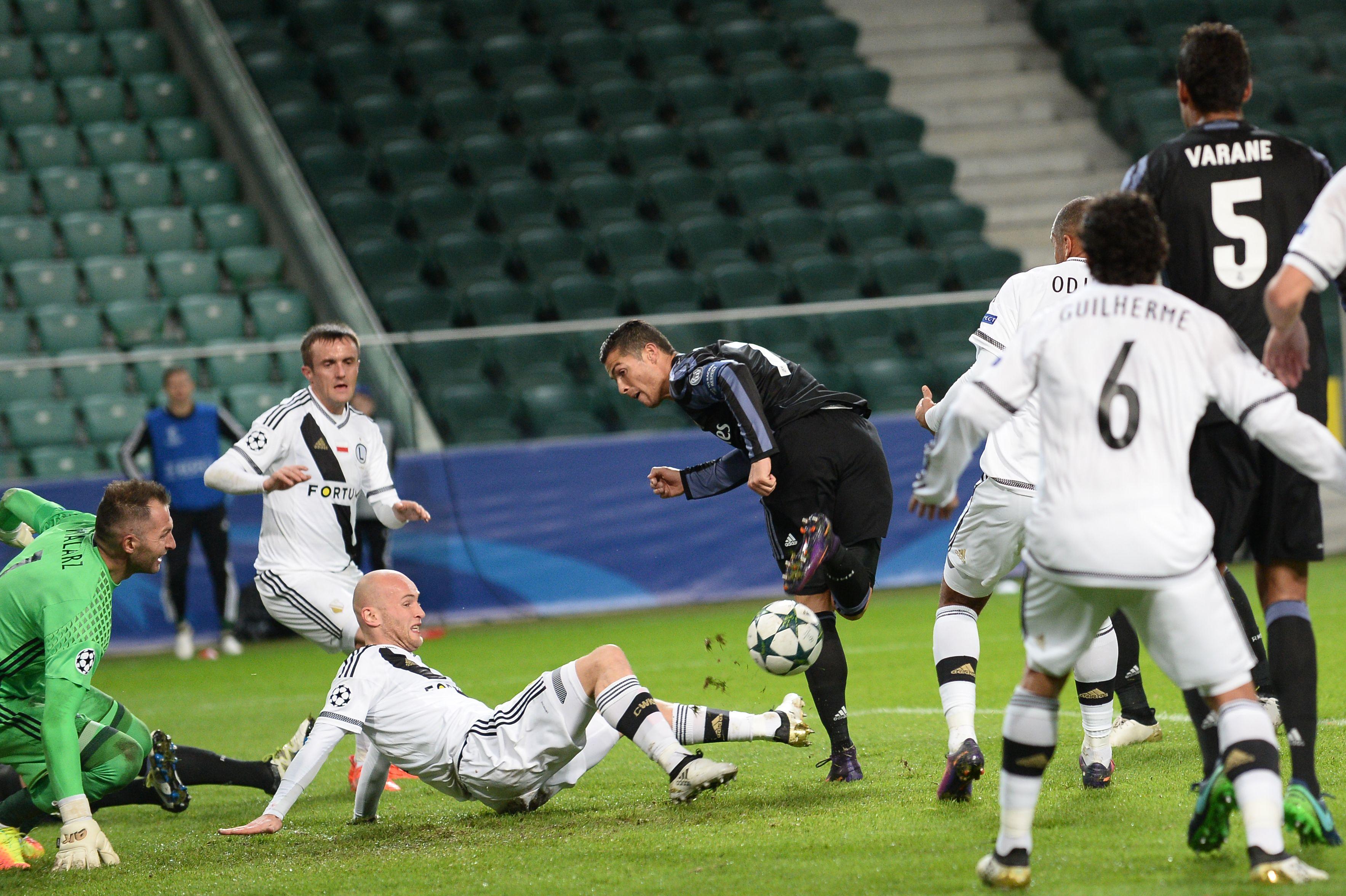 Real Madrid igualó ante Legia Varsovia en un partidazo en Polonia