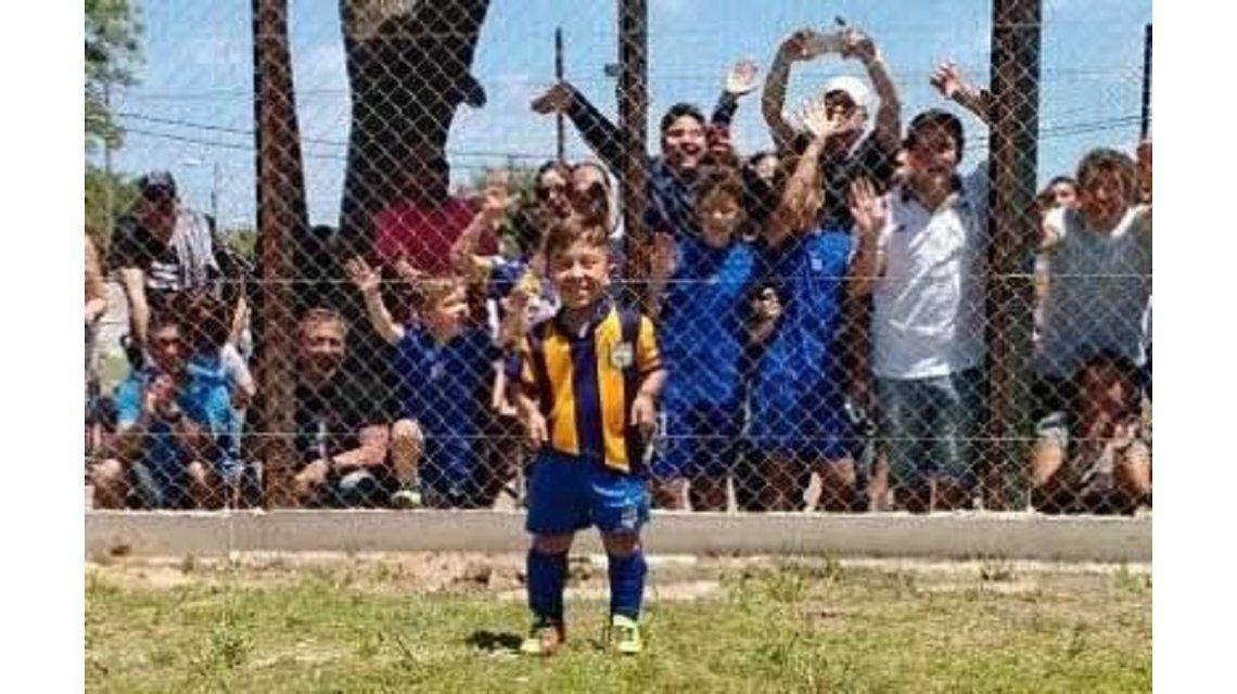 Una barra de amigos y compañeros se reunió especialmente para acompañar a Diego el domingo pasado en su debut