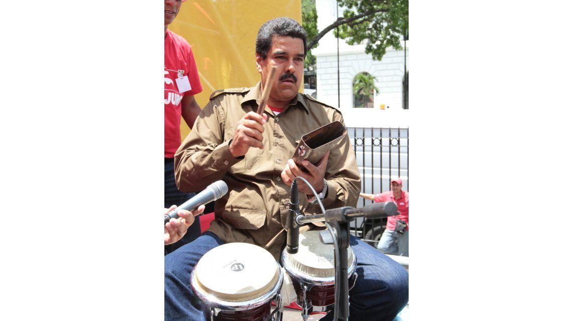 El presidente Nicolás Maduro conducirá un programa radial diario en plena crisis en Venezuela