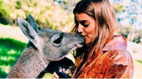 Calu Rivero besó un guanaco.