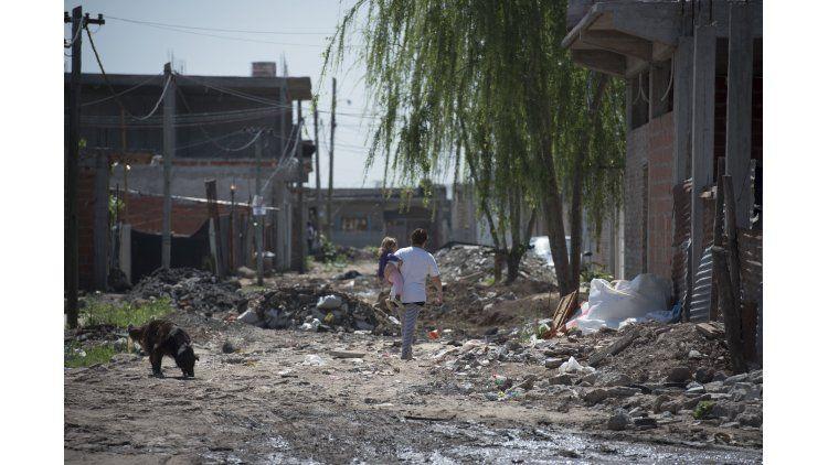 Según TECHO la cantidad de personas viviendo en asentamientos informales creció 11