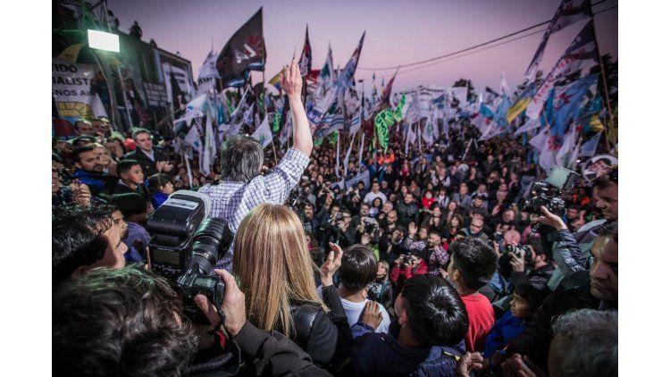 Máximo Kirchner en un acto en Villa Palito por los 6 años del fallecimiento de Néstor Kirchner