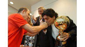 La respuesta de Diego Maradona al saludo de cumpleaños de Ricardo Bochini
