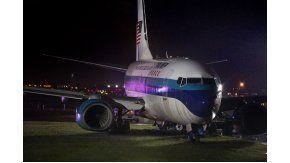 Avion de Mike Pence vice de Donald Trump despistándose en el aeropuerto LaGuardia