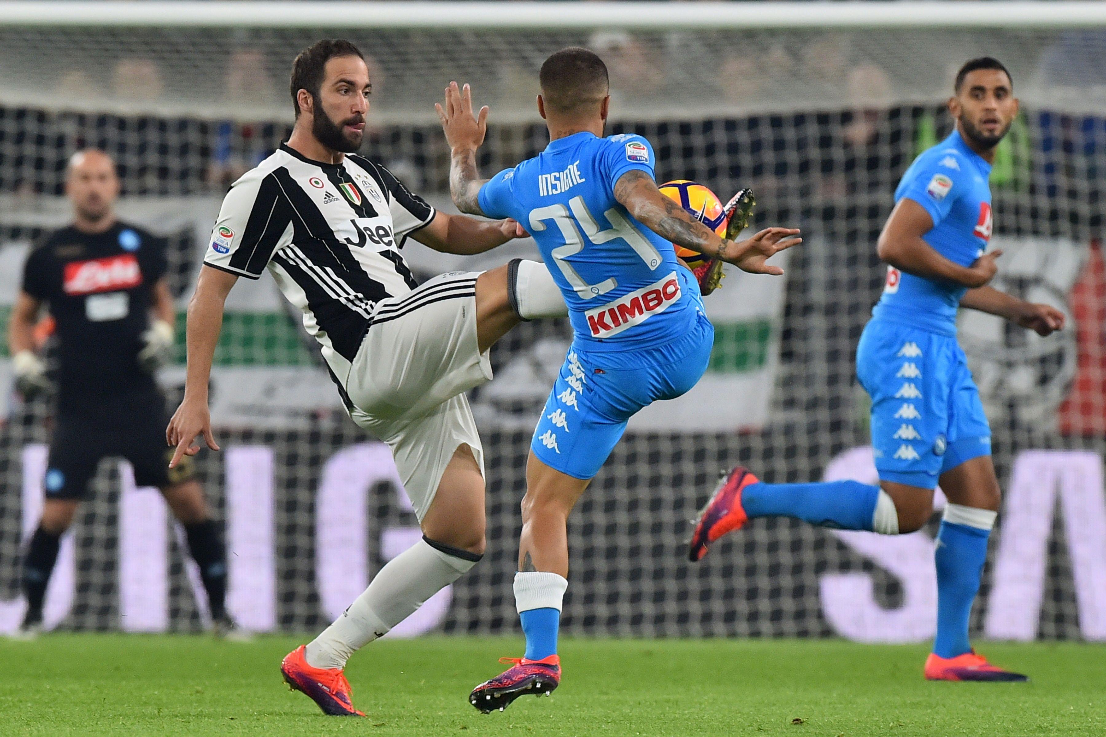Juventus enfrenta a Napoli en Turin