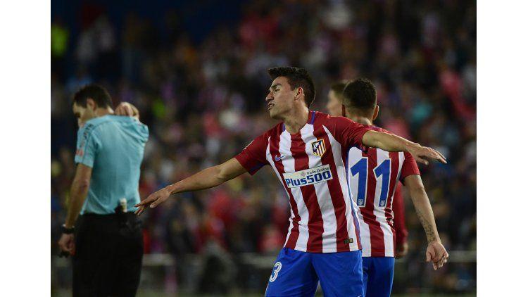 El delantero argentino Nicolás Gaitán se lesionó en el glúteo derecho en la victoria de su equipo