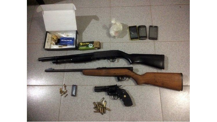 Elementos secuestrados a policías locales que vendían droga utilizando el patrullero de la fuerza de seguridad