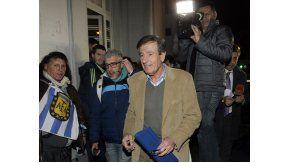 El presidente de Vélez, Raúl Gámez, en la puerta de la sede de la AFA