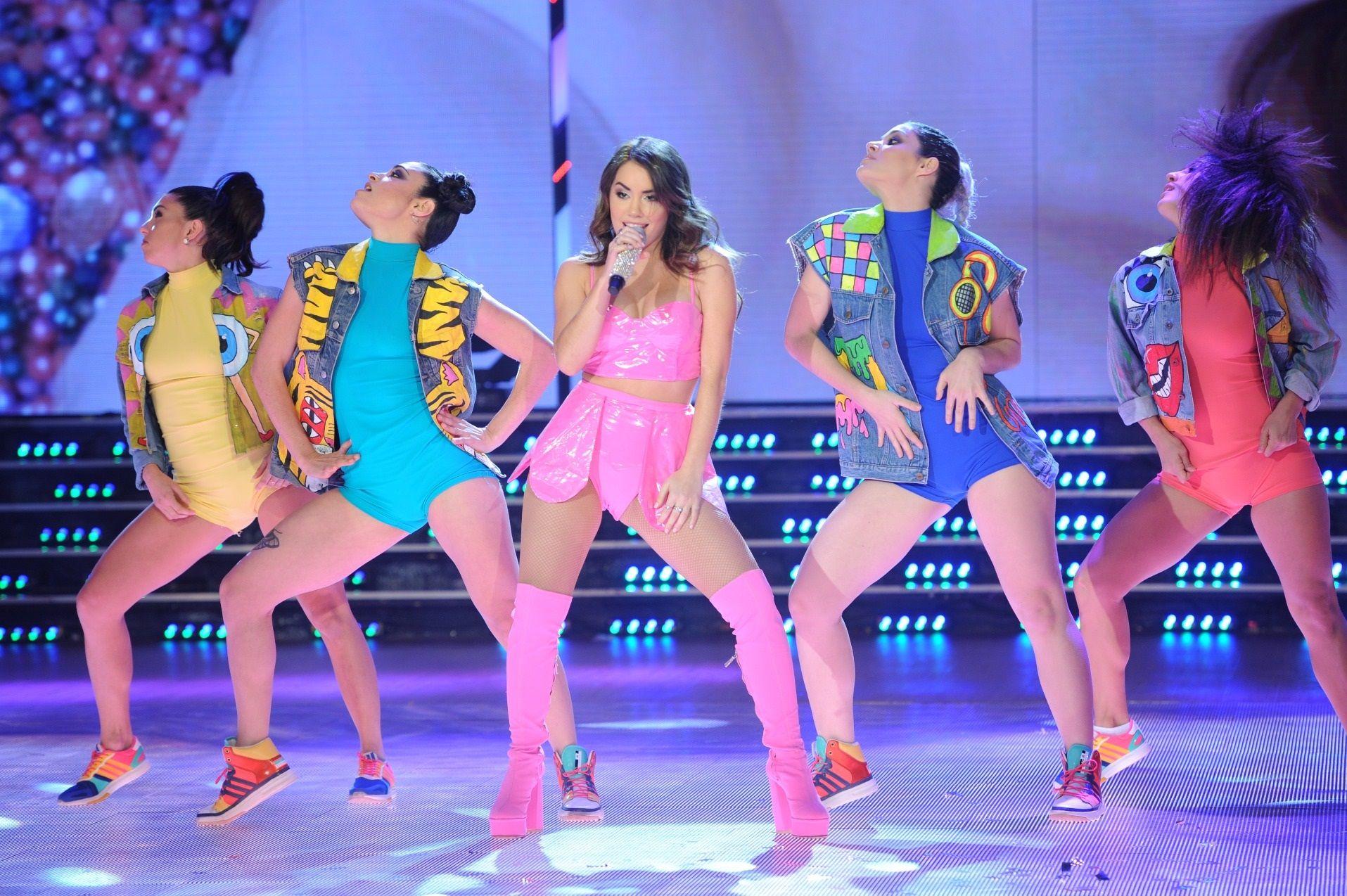 Lali Espósito volvió a ShowMatch y anunció que cantará en shows de Ricky Martin.