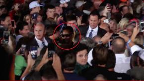 Trump ordenó que la seguridad sacara al hombre del evento confundiéndolo con un manifestante