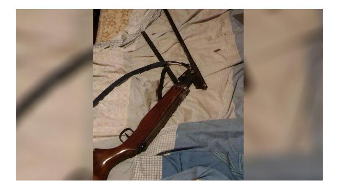 El rifle secuestrado por la Policía de Misiones