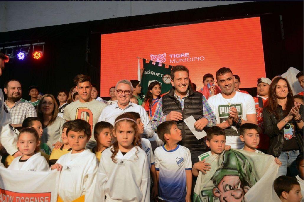 Zamora y Massa entregaron subsidios a 65 clubes de barrio de Tigre