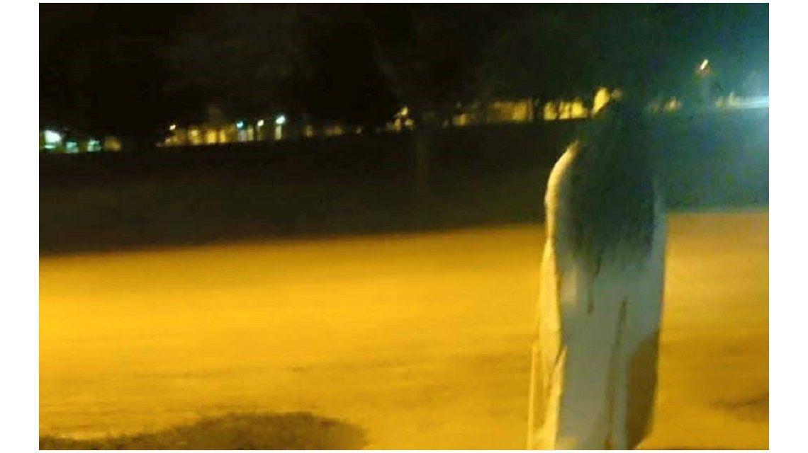 La llorona apareció en una plaza.