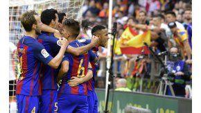El festejo de Neymar en el gol de Barcelona antes del botellazo.